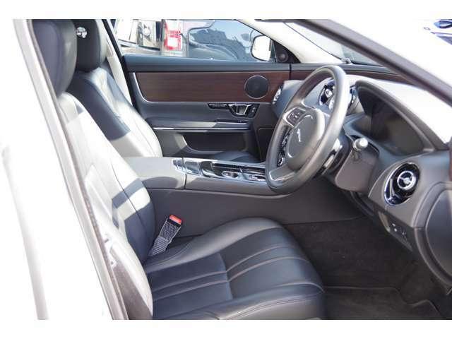 傷や汚れなどもなく使用感少なくコンディションは良好なシートです!詳細はジャガー・ランドローバー西宮へお問い合わせくださいませ! 0798-63-6006