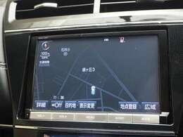 【ナビ】・・・トヨタ純正大型8インチメモリーナビ装備。CD・DVD再生、Bluetooth接続可能です!!