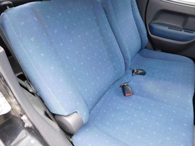 後部座席もご覧の状態です。