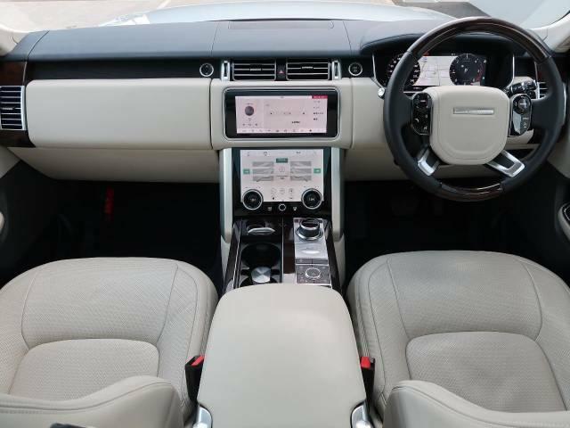 LAND ROVERのSUV『RENGE ROVERヴォーグ』ディーゼルモデルを認定中古車でご紹介!ガラスルーフ、パークアシスト、MERIDIANサウンド、ACC、360°カメラ、液晶ディスプレイ