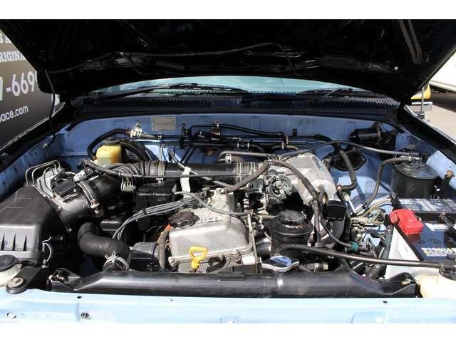◆当店では全車安心の定期点検整備を実施しております/エンジン系・足廻り系など、その他約50項目の点検整備、オイル関係などの消耗部品の交換をご納車前に自社認証工場やディーラーにて徹底整備致します。