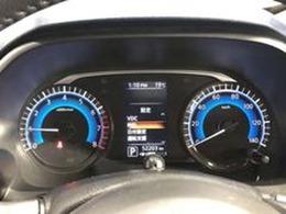 見やすくシンプルなメーターです。平均燃費など色々な車両情報が確認できます。