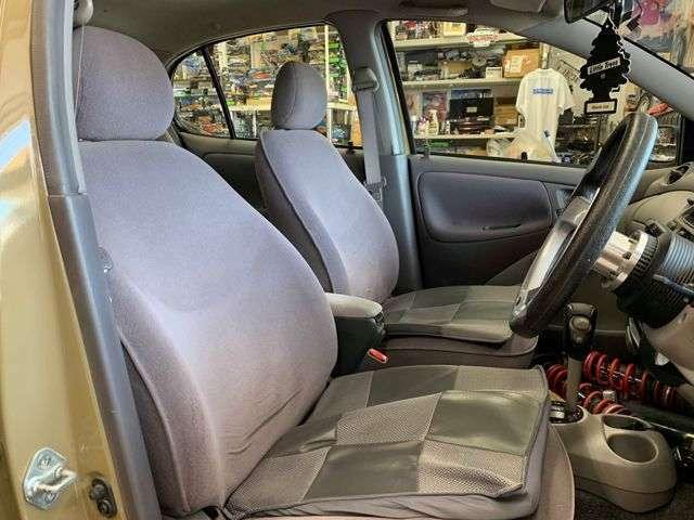 フロントシートも綺麗です!社外シートカバー&クッション!