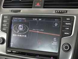 """純正オプションである""""Discover Pro""""8インチの大画面でナビ、車両を総合的に管理するインフォテイメントシステムです"""