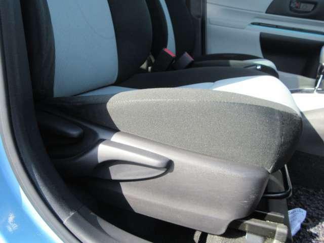 運転席側電動リクライニングシート&レバー