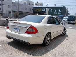 2006年モデル ディーラー E63 AMG 左ハンドル 黒革 当社管理ユーザー買取車 サンルーフ 純正ナビ エアサス シートヒーター入庫です!
