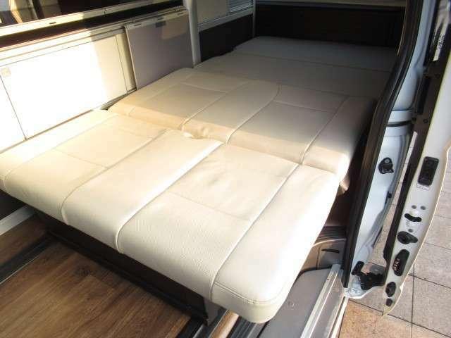ダイネットベットは約220×110のサイズとなっております!