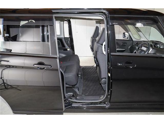 両側パワースライドドア☆運転席から後部のスライドドアを開閉可能♪後部座席に乗る方への配慮もできます(^^)♪