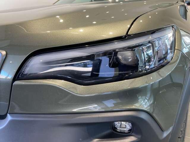 LEDデイライトは、先代よりも明るさを増し、安全機能に寄与。