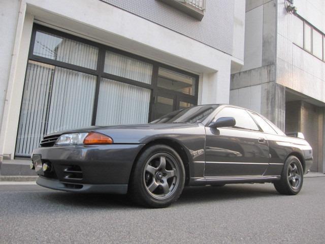 前期モデル ドクター1オーナー 禁煙車 屋内保管 純正色全塗装のとてもキレイなスカイラインGT-Rです