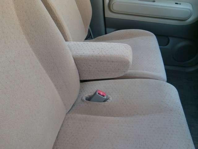 ひじ掛けがあったらドライブは楽々です・