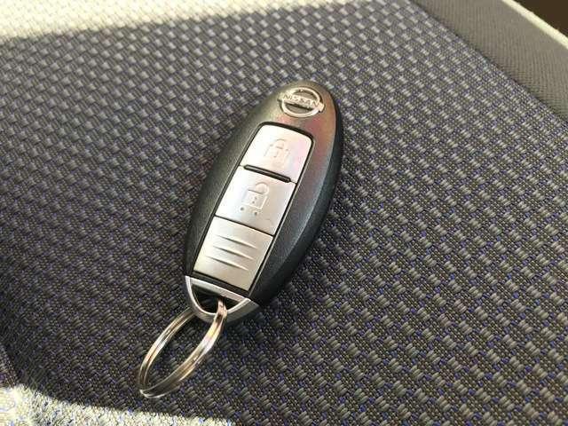 インテリキ-を装備!鍵をささなくても、上着のポケットに入れているだけでエンジンを始動させることも出来ます!これは便利♪♪