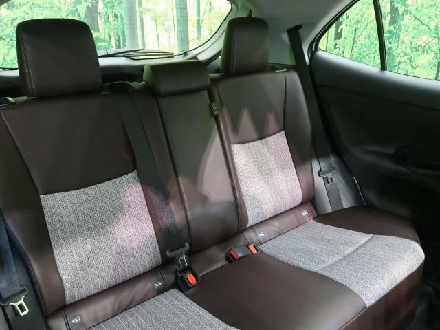 【ハーフレザーシート】随所にレザーを施したシートはすわり心地もばっちりです☆オールレザーと比べてホールド性が高く、程よい高級感のあるシートが内装を上質に仕立ててくれます☆