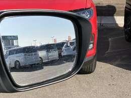 【 インテリジェントBSI(後側方衝突防止システム)+BSW(後側方車両検知警報)】斜め後方から接近してくる車両を検知し警報で知らせてくれるとともに、万一の時には車両を斜線内に戻すよう制御してくれます