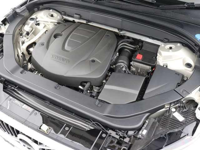 ポールスター・パフォーマンス・ソフトウェアインストール済により、200ps/440Nm(カタログ値)を発生するD4エンジンは、より低回転域からなめらか且つ瞬発力のある力強いパフォーマンスを発揮します。