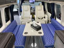車内、リラックスできるスペースをご用意しております!