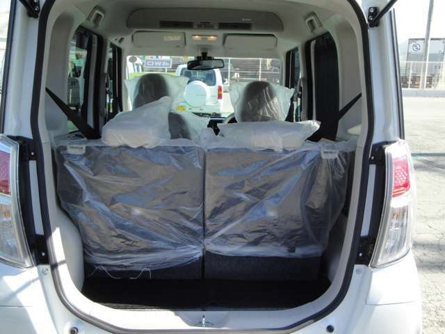 広々トランク♪荷物もたっぷり収納できます。