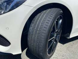 タイヤ溝もまだまだしっかりと残っております!