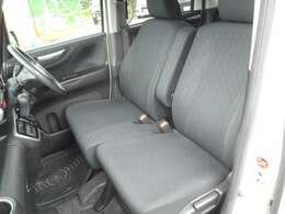 運転席も助手席の座り心地もバッチリです♪長時間のドライブも快適に過ごせますよ