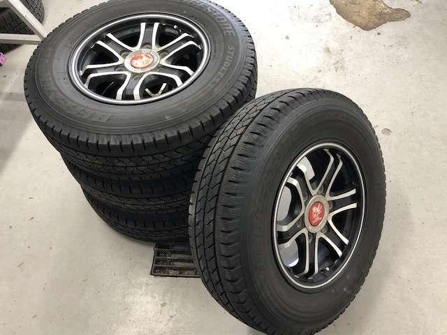 ☆夏冬タイヤ付きです!買い足しの必要が無いのは嬉しいですね☆