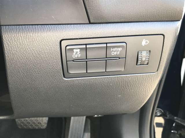 運転席回りのスイッチで安全装備のON/OFFも簡単に!