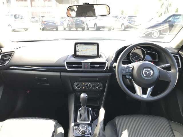 快適な室内空間が広がります。デザイン性と操作性を両立したインテリアでドライバーを飽きさせません☆