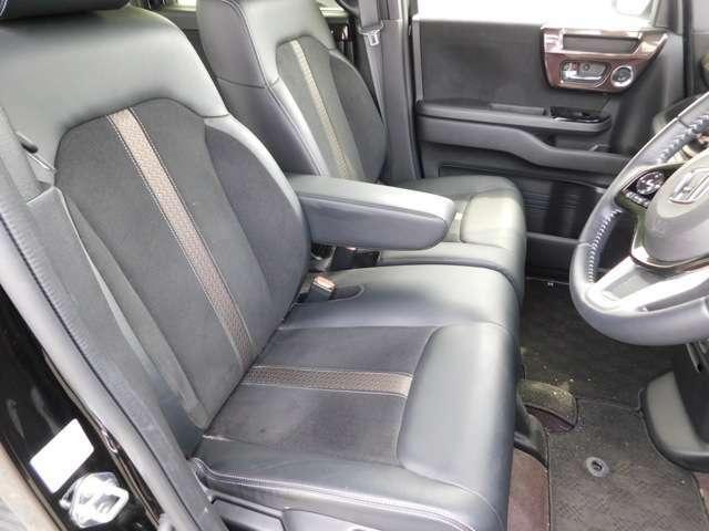 フロントシートの画像です!当店の展示車両は全車に全国のホンダ店にてお使い頂ける保証付きですので、ご購入後も安心です!ご希望の方には別途有料になりますが延長タイプもございます!