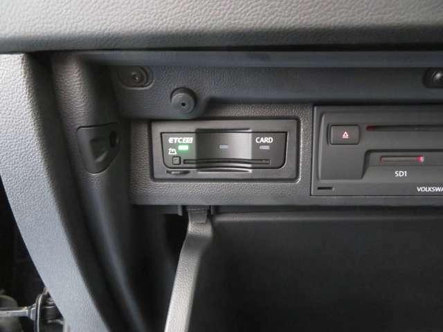 ETC車載器がついていますので、一人の運転で小銭を用意する手間もなく、雨天でも窓ガラスを開けて料金を支払う必要がなく大変便利です。