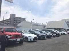 国産車から輸入車、軽自動車からミニバン・セダンと幅広い在庫をご用意致しております。