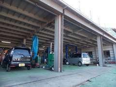運輸局指定工場完備!確かな技術でお客様に安心と安全をお届けいたします。車検・整備はおまかせ下さいませ!