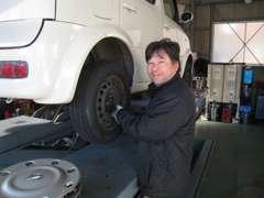 運輸局認証車検工場!当社は元ディーラー整備士が在籍しており納車前の整備も車検やアフターサービスもおまかせください!