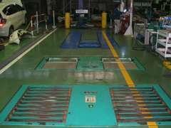 指定工場の最新鋭の検査ラインです。