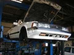 提携工場のプロのスタッフが、旧車から現行車までしっかりとサポート!であなたのカーライフを応援します!