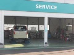 オイル交換から車検まで経験豊富なサービススタッフにお任せ!