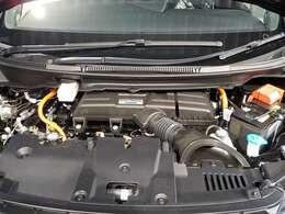 エンジンは2000CCのハイブリッドです!低燃費でパワフルなエンジンです!