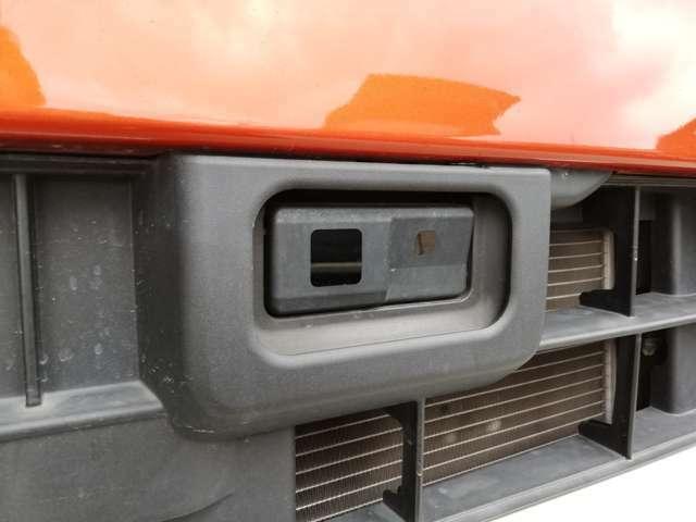 スマートアシスト2単眼カメラ・レーダーが周囲の状況を認識し運転をサポート。衝突警報・衝突回避支援ブレーキ・誤発進、後進抑制制御・車線逸脱警報・車線逸脱抑制制御・路側逸脱警報・ふらつき警報搭載