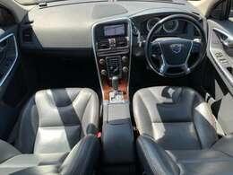 2012yモデル/セーフティPKG/追従クルーズ/衝突軽減ブレーキ/黒革シート/パワーシート/シートヒーター/純正ナビ(フルセグ/Bluetooth/DVD/CD/AUX)フロント・サイド・リアカメラ/18AW/キセノン
