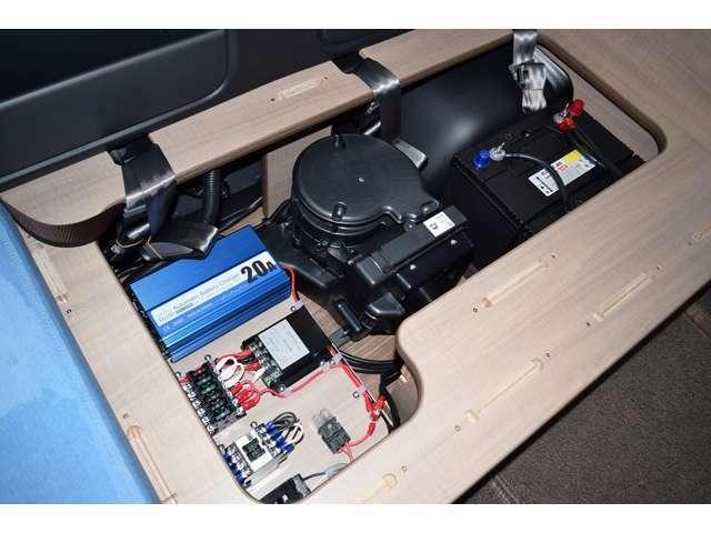 ツインサブバッテリー、走行充電、コンバーター、1500Wインバーター、外部電源付になります!