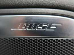 """●BOSEサラウンドシステム:世界で知名度が高い高級カーオーディオブランドです。""""生演奏の感動をありのままに再現する""""それがBOSEの追求すること。臨場感あふれるプレミアムサウンドをお楽しみ下さい。"""