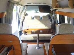 トヨタ ハイエース RVビックフット ビックフット ガソリン 2WD ツインサブバッテリー 冷蔵庫 シンク TV ソーラーパネル MPPTソーラーチャージャー 電子レンジ