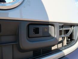 ☆もしもの事故を防ぐスマートアシストII☆衝突回避支援ブレーキのほかに衝突警報・車線逸脱警報・誤発進抑制制御・先行車発進お知らせ機能など、充実した安全装備となっております。