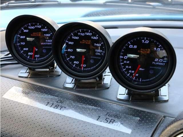 ■オートゲージ製追加メーター(水温、油温、油圧、ブースト計)
