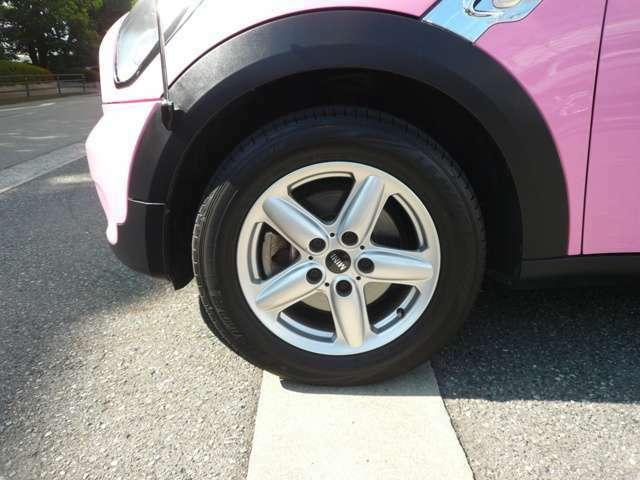 純正16インチアルミ装着!タイヤもまだまだ使えます!