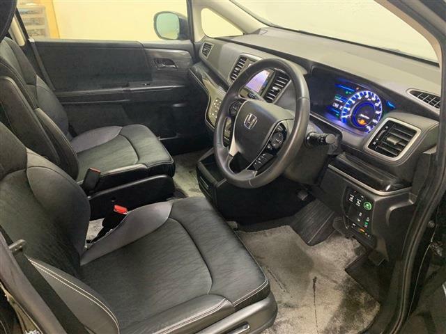 手触りの良い素材を使用したシートはとても快適で、長距離の運転でも疲労感を抑えることができます!