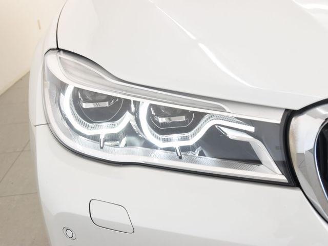 アダプティブLEDヘッドライトがもたらすより高度な安全性