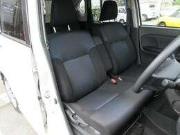 使用感なくとてもキレイな運転席です!