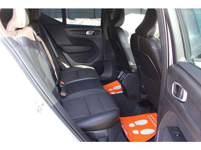 12.3インチデジタル液晶ドライバーディスプレイ・8ウェイパワーシート・シートヒーター・電動ランバーサポート・テキスタルコンビネーションシート・ワンタッチ分割可倒式シートバック・コンビニエンスパッケージ