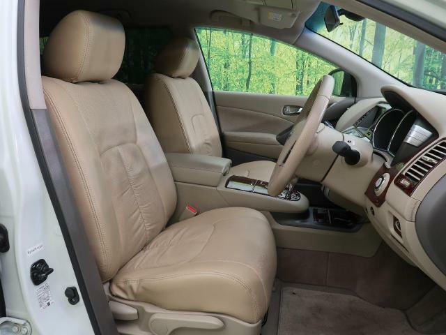 高級感たっぷりの「ベージュ革調シートカバー付」!!車内の高級感を与えてくれるので、優雅にドライブをお楽しみいただけます♪座り心地もバッチリです☆是非一度ご体感下さいませ!!