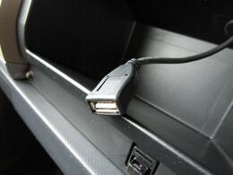 ■ 装備3 ■ USB接続可能