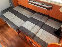 テーブルを収納してベッドアレンジにもなります!